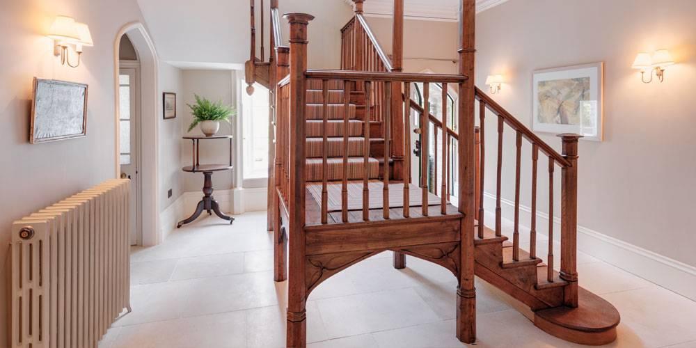 Interior Design entrance hall stair
