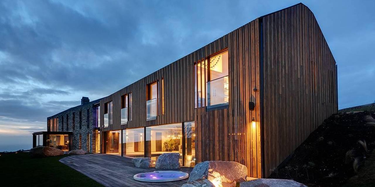Devon architects Shou sgi ban timber cladding hot tub