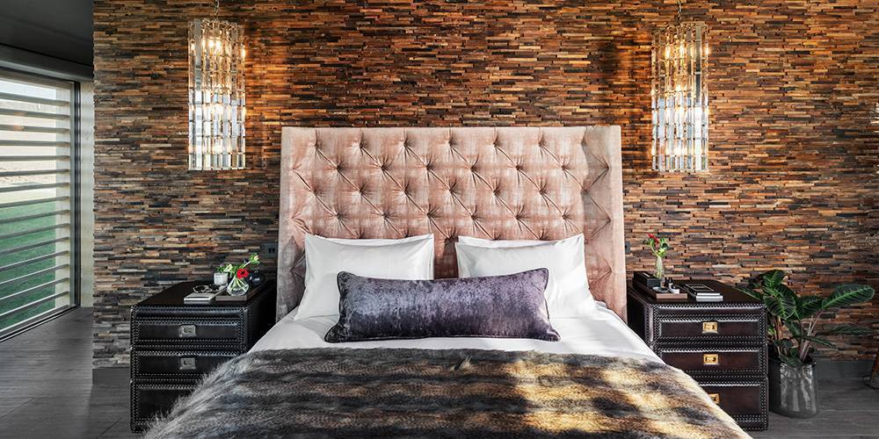 Devon architects master bedroom headboard