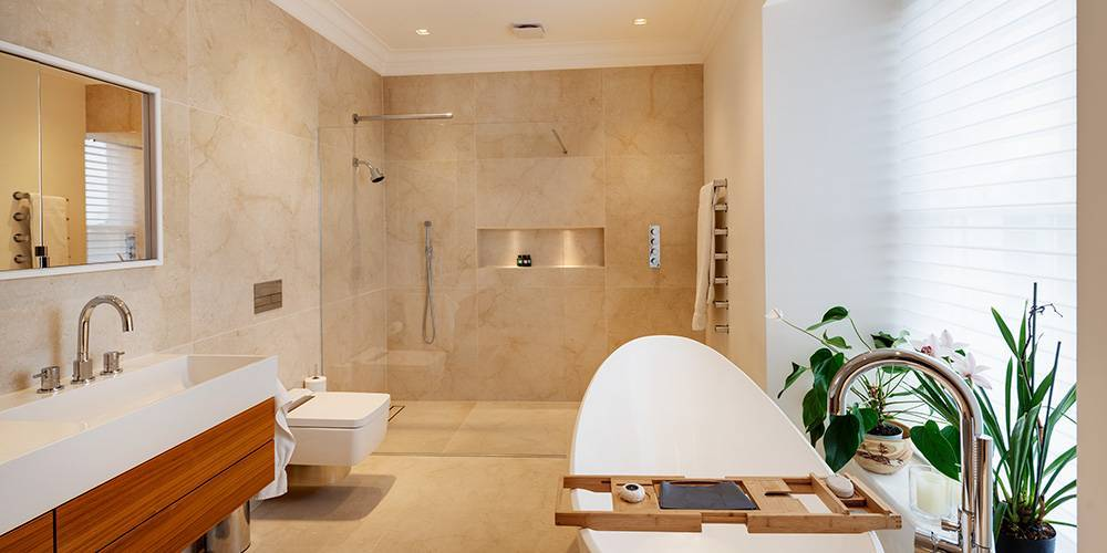 Devon architects master en suite bathroom