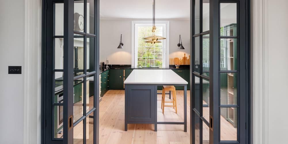 Devon architects kitchen crittal style doors and lighting