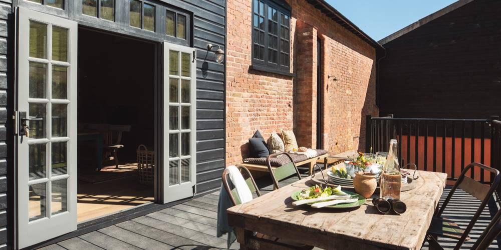 Barn restoration and refurbishment Devon architects