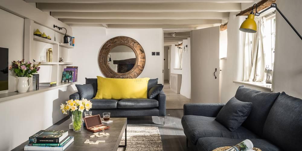 Devon Architects Unique Homestays Lounge