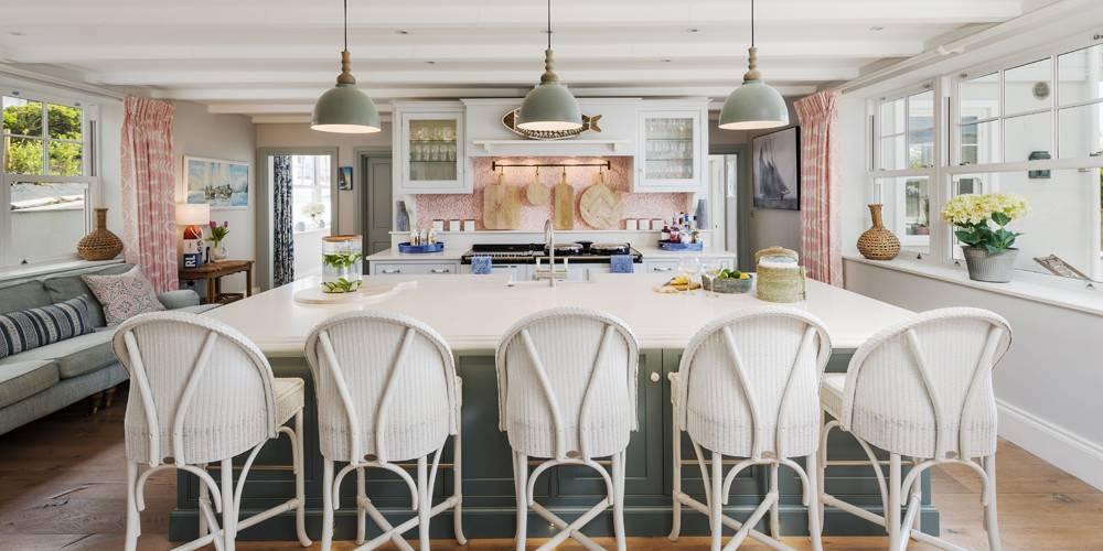 Architects Cornwall kitchen island Hamptons style